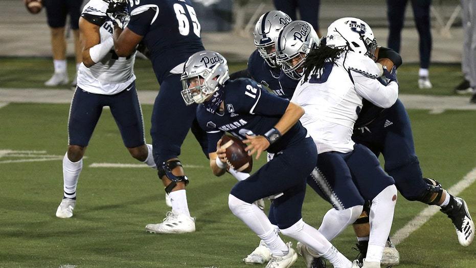 Strong, Doubs combine to spark Nevada to 34-9 victory