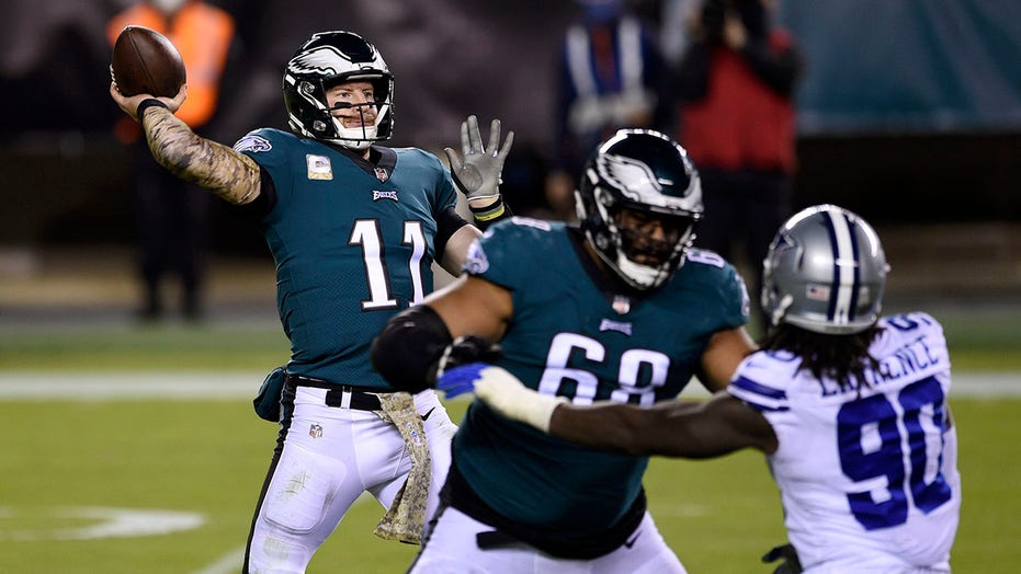 Eagles beat Cowboys 23-9 in sloppy battle for first place