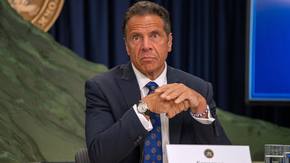 Cuomo says indoor dining in NYC will end if COVID-19 hospitalization rate doesn't stabilize