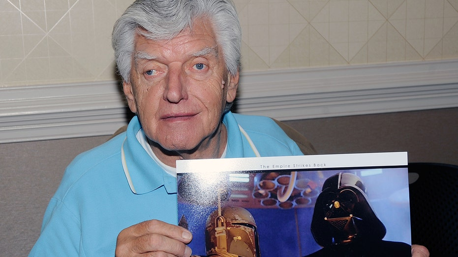 Celebrity 'Star Wars' actors and fans react to David Prowse's death, honor the late Darth Vader actor