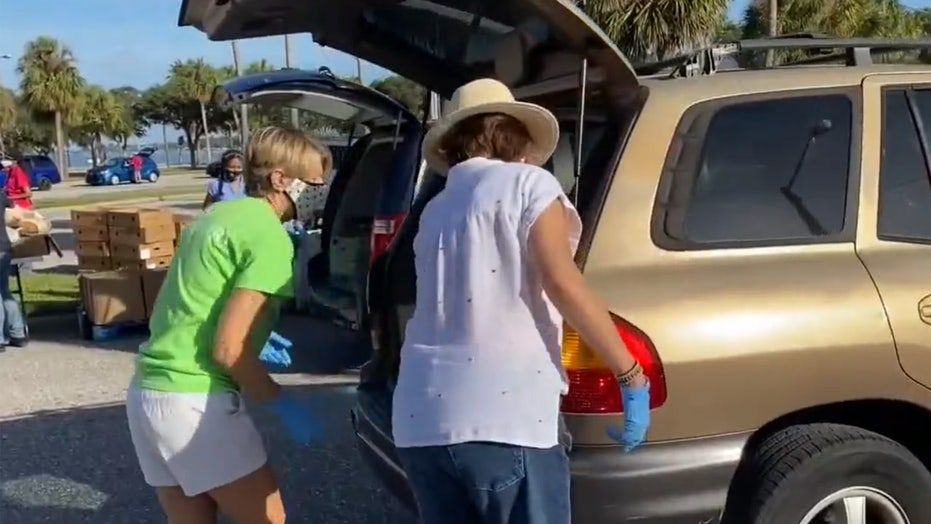 Florida food bank sets goal to hand out 9,000 turkeys by Thanksgiving