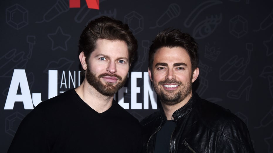 'Mean Girls' star Jonathan Bennett engaged to boyfriend Jaymes Vaughan