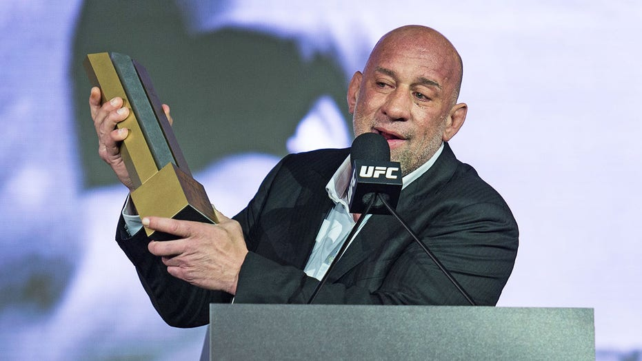 UFC Hall of Famer Mark Coleman recovering after heart attack