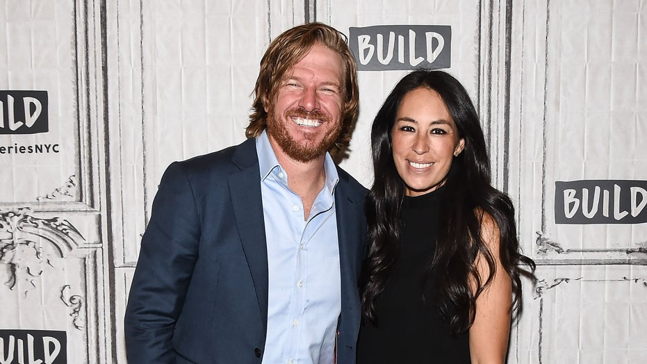 Joanna Gaines on filming 'Fixer Upper' reboot with husband Chip: 'We dusted off our boots'