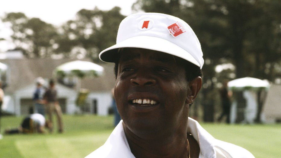 Lee Elder, the first Black man to play at the Masters, honored by Augusta National