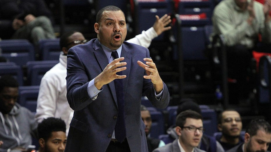 Anthony Stewart, UT Martin men's basketball coach, dead at 50, school confirms