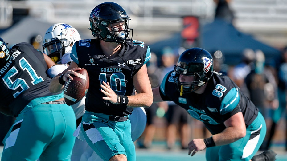 Coastal Carolina keeps undefeated dream season intact with close win over Appalachian State