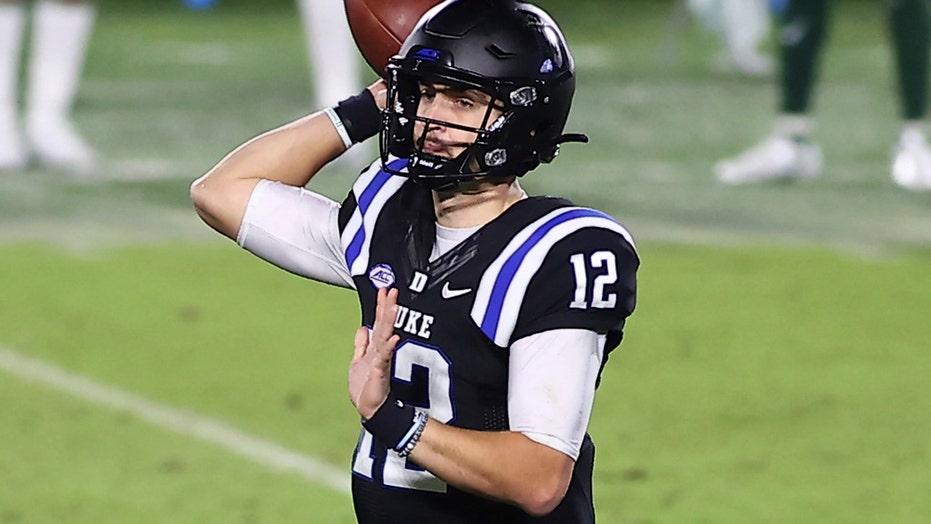 Duke's short drives key 53-19 rout of Charlotte