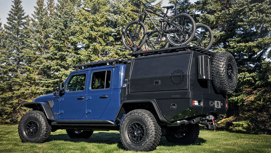 Jeep Gladiator Top Dog is an extreme off-road food truck