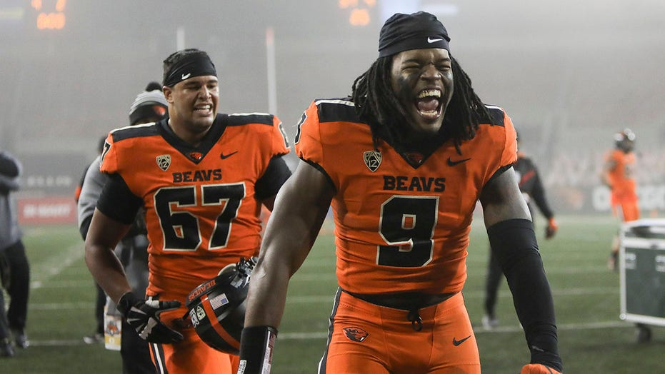 Oregon State upsets No. 9 Oregon 41-38 on Nolan's late run