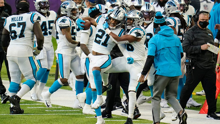 Panthers' Jeremy Chinn scores 2 defensive touchdowns on back-to-back plays