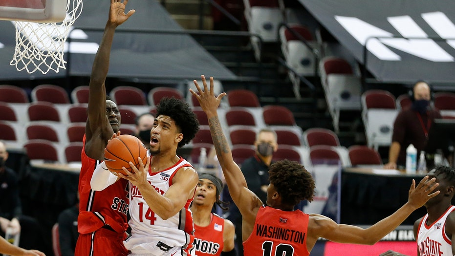 No. 23 Ohio State routs Illinois State in season opener