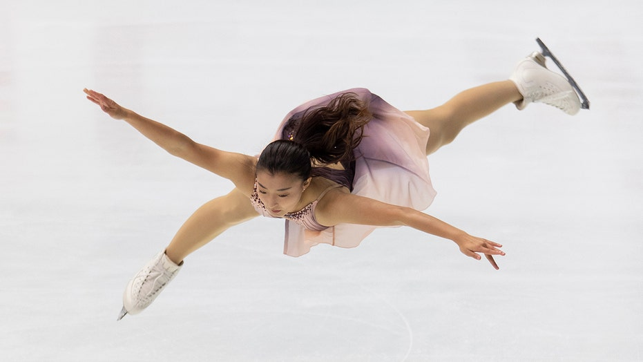 Sakamoto dominates women's short program at NHK Trophy