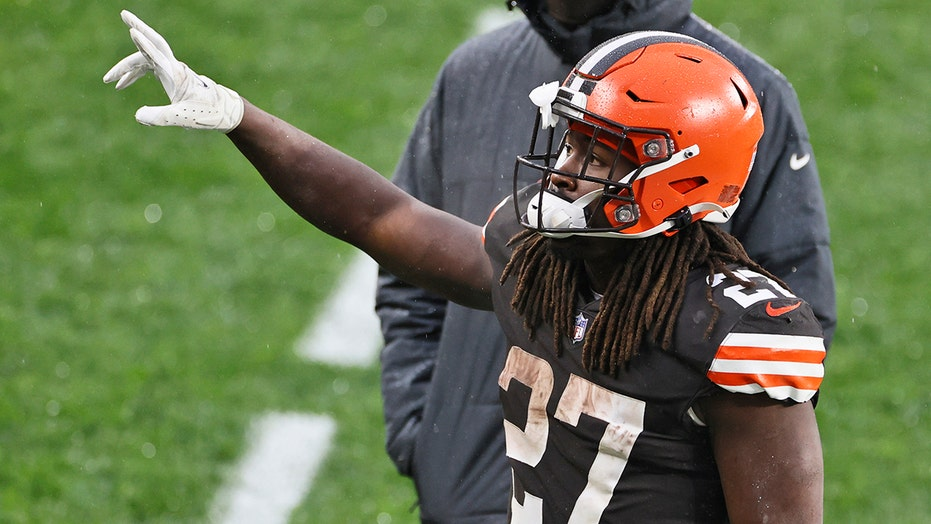 Browns' Kareem Hunt talked about Chiefs matchup 'all year,' Nick Chubb says
