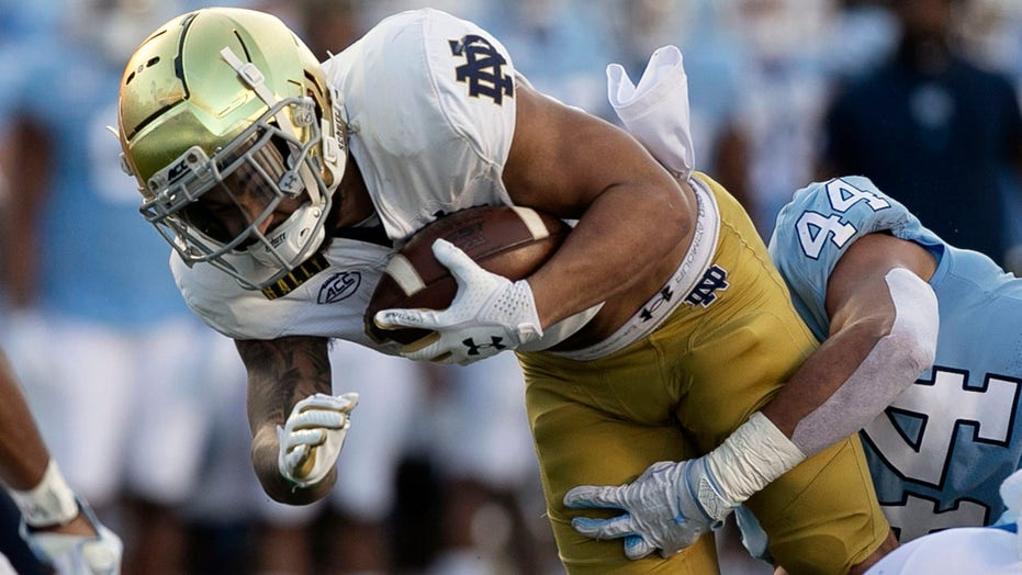 Book, defense help No. 2 Notre Dame beat No. 25 UNC 31-17
