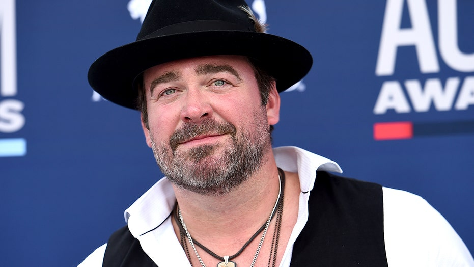 Lee Brice tests positive for the coronavirus, will not perform at the CMA Awards