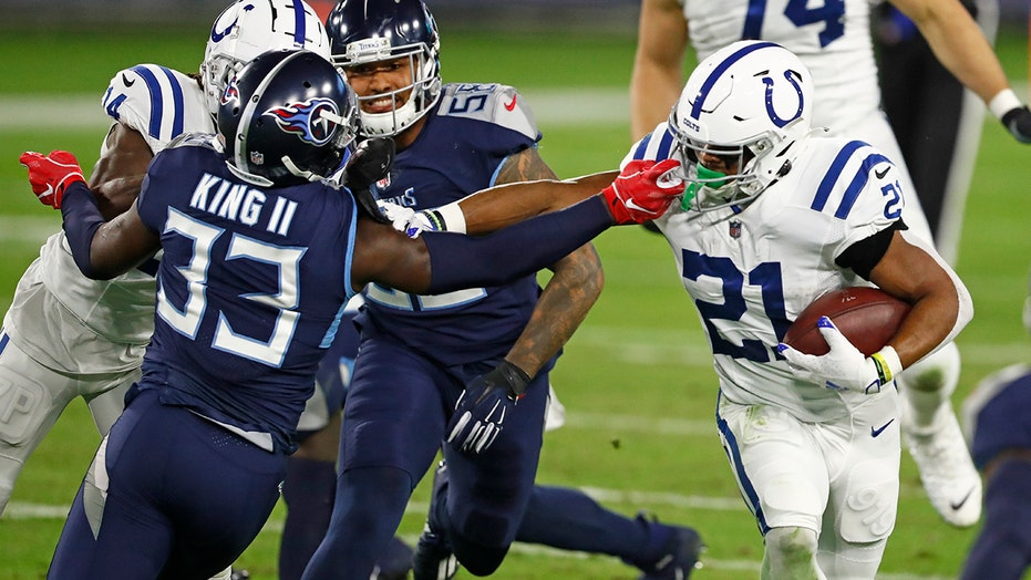 Colts grab tiebreaker in AFC South by beating Titans 34-17