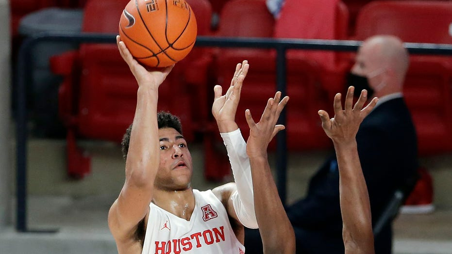 Grimes scores 25 points, No. 17 Houston beats Boise State