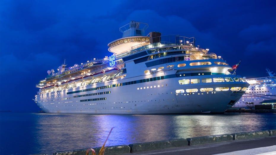 Royal Caribbean se uitvoerende hoof, sê 100,000 mense het vrywilligers aangebied vir proefvaarte
