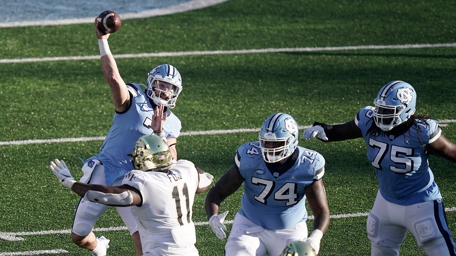 Howell, Tar Heels make big rally to beat Wake Forest 59-53