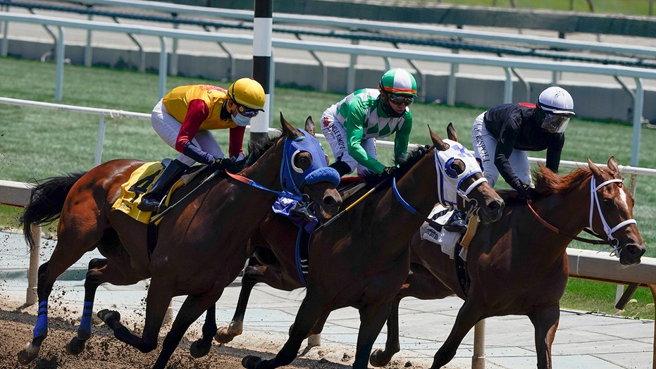 Horse racing seeking to implement variety of safety reforms