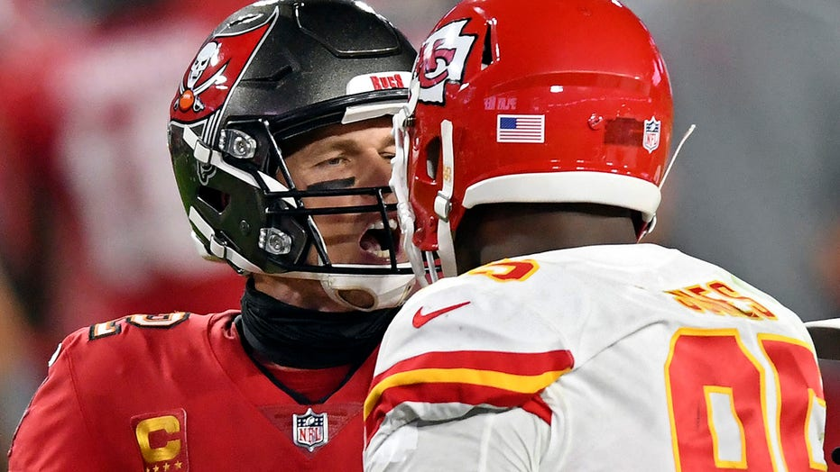 Tom Brady, Chris Jones trade barbs during Buccaneers-Chiefs game