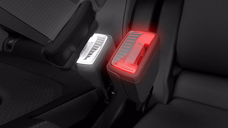 Illuminated seat belt buckles designed for safety