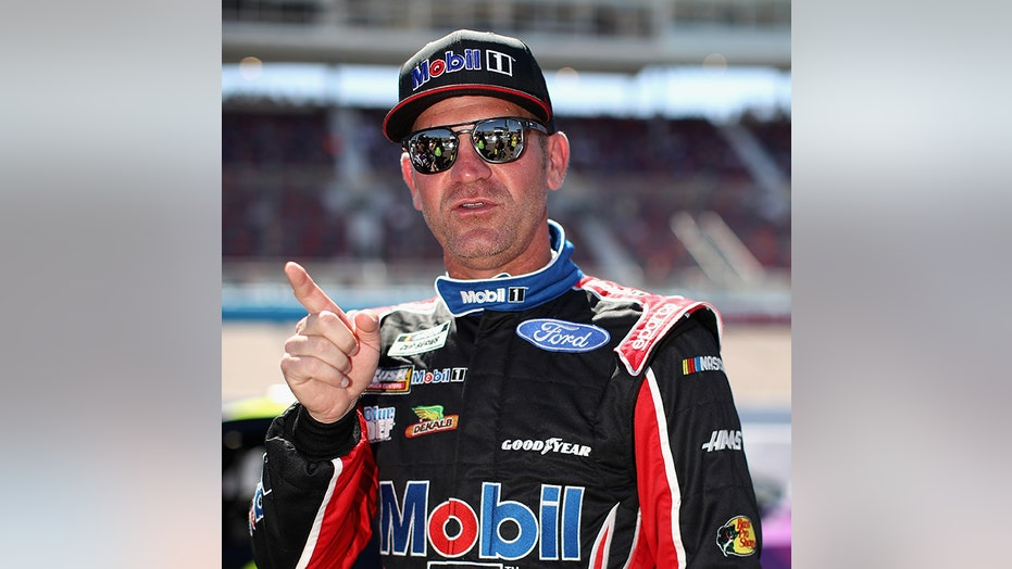Clint Bowyer wanted to wreck nearly everyone at NASCAR's Phoenix finale, spotter says