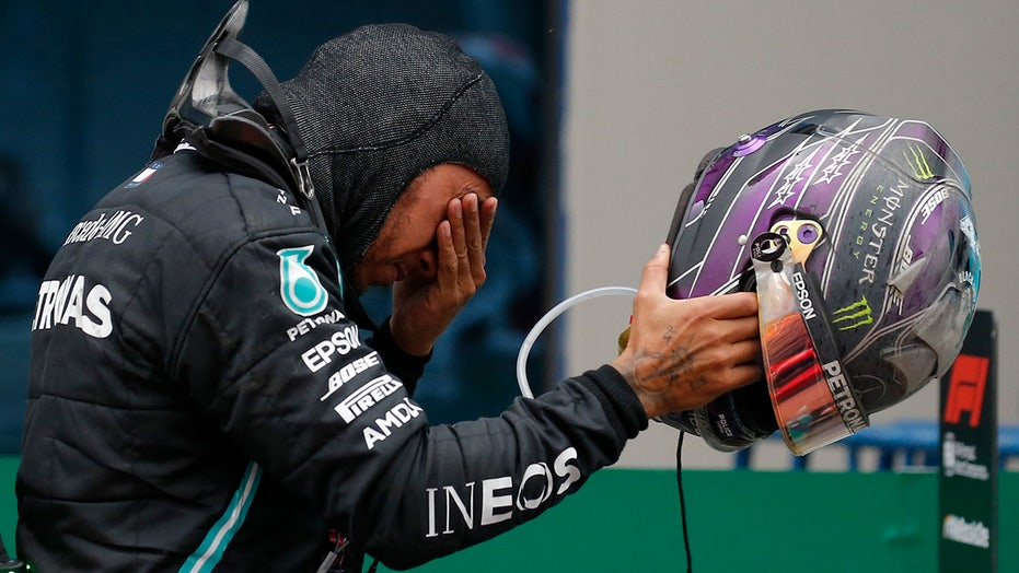 Lewis Hamilton wins record-tying 7th Formula One championship