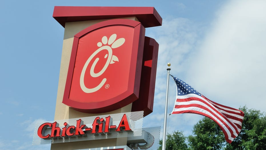 Georgia Chick-fil-A puts on over-the-top annual light show for Christmas, despite coronavirus pandemic