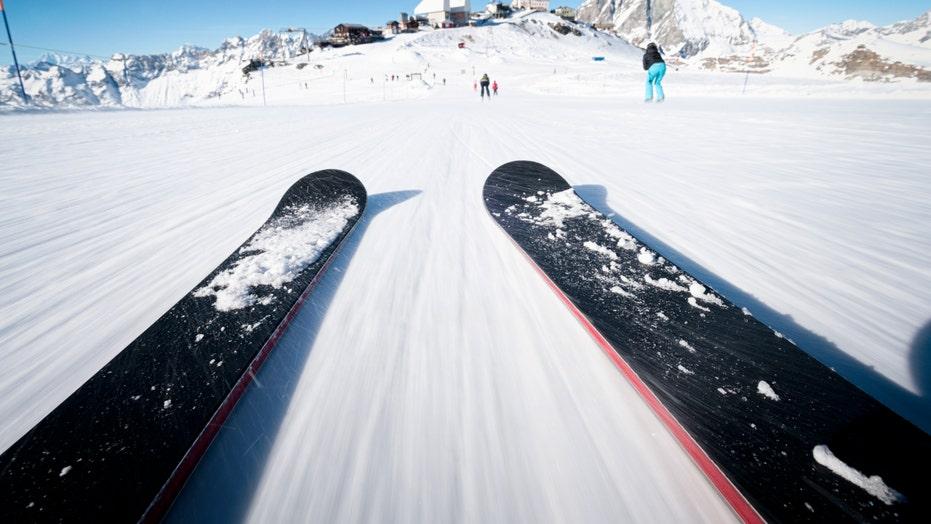 Colorado ski resorts on alert after avalanches kill 3