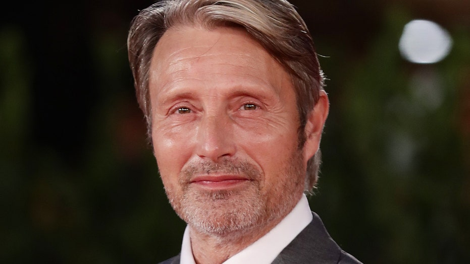 James Bond star Mads Mikkelsen replaces Johnny Depp in 'Fantastic Beasts'