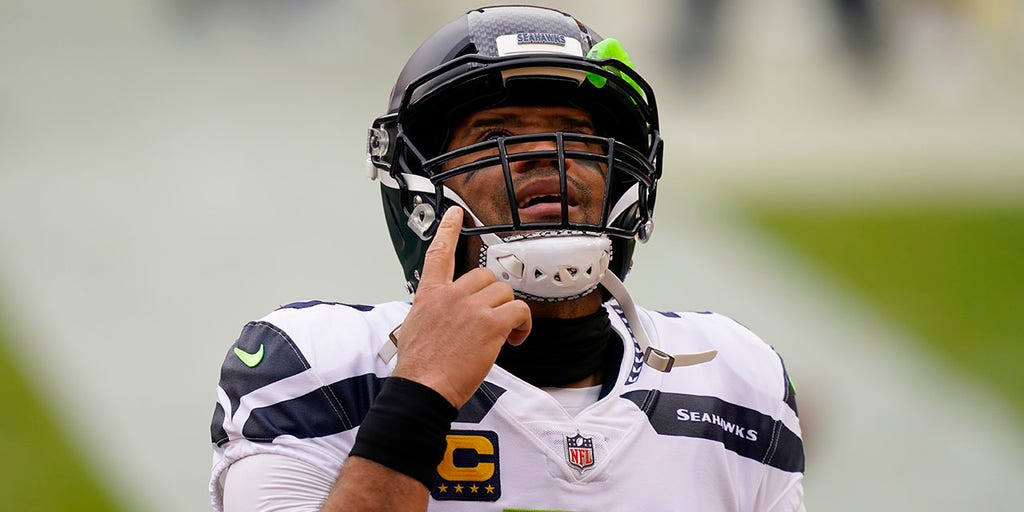 Seahawks' Russell Wilson speaks out for first time on trade rumors: 'I've always wanted to play here'