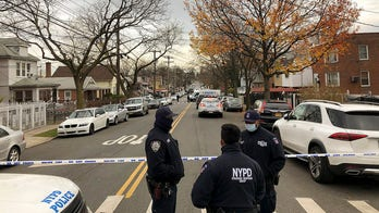 Fugitive who allegedly shot Massachusetts trooper dies in gun battle with US Marshals in NYC; 2 agents wounded