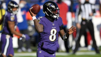 Ravens' Lamar Jackson negotiating extension with mom's help, NFL insider says