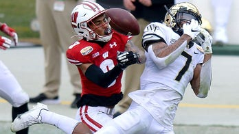 Pick 4: INTs send Wisconsin past Wake in Duke's Mayo Bowl