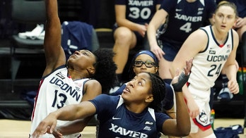 Williams leads No. 3 UConn to 106-59 rout of Xavier