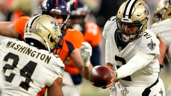 Jameis Winston gives Saints lead in playoff game with tricky touchdown pass