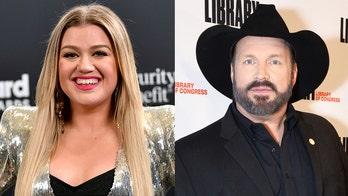 Garth Brooks responds to Kelly Clarkson saying his song helped her amid divorce