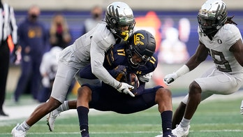 Cal cleans up mistakes, beats No. 21 Oregon for first win