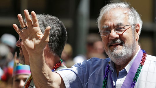 Former US Rep. Barney Frank sues contractor for unfinished work on home