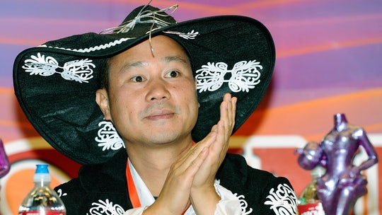 Tony Hsieh's family thanks public for 'outpouring of love and respect' following Zappos founder's death