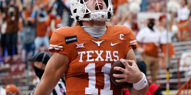 Sam Ehlinger leads Texas as the Longhorns visit Kansas State on Saturday.