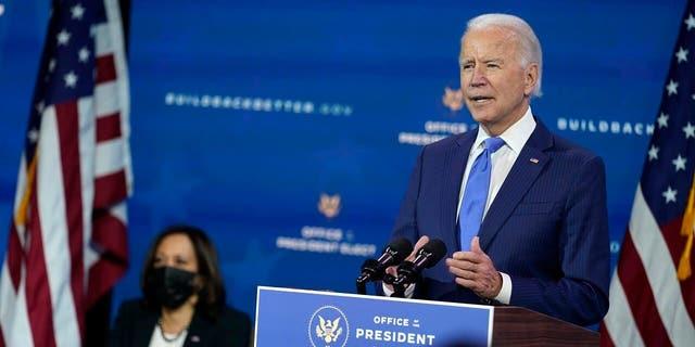 Conservatives expect the mainstream media to fawn over President-elect Joe Biden and Vice President-elect Kamala Harris. (美联社照片/安德鲁·哈尼克)