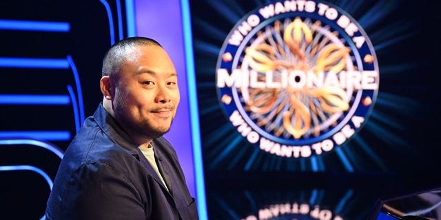 "Chef David Chang competes for the Southern Smoke Foundation and wins the $1 million prize on ""Who Wants To Be A Millionaire.""<br> ​(John Fleenor/ABC via Getty Images)"