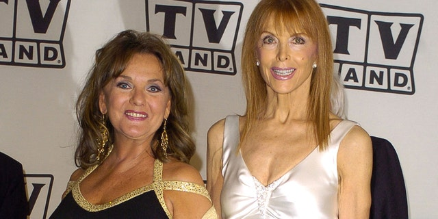 Tina Louise, 对, and Dawn Wells co-starred on 'Gilligan's Island.'