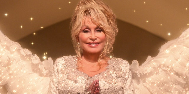 Dolly Parton rescued a young cast member on the set of 'Christmas on the Square.'