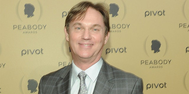 """Richard Thomas is hosting """"Christmas with the Tabernacle Choir,"""" which was filmed last year."""