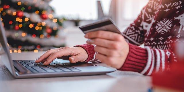 Women shopping online (iStock)