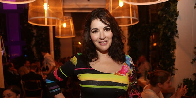 """Twitter seemed somewhat confused by a resurfaced clip from BBC's """"Nigella's Cook, Eat, Repeat,"""" in which Lawson mispronounces""""microwave"""" on purpose."""